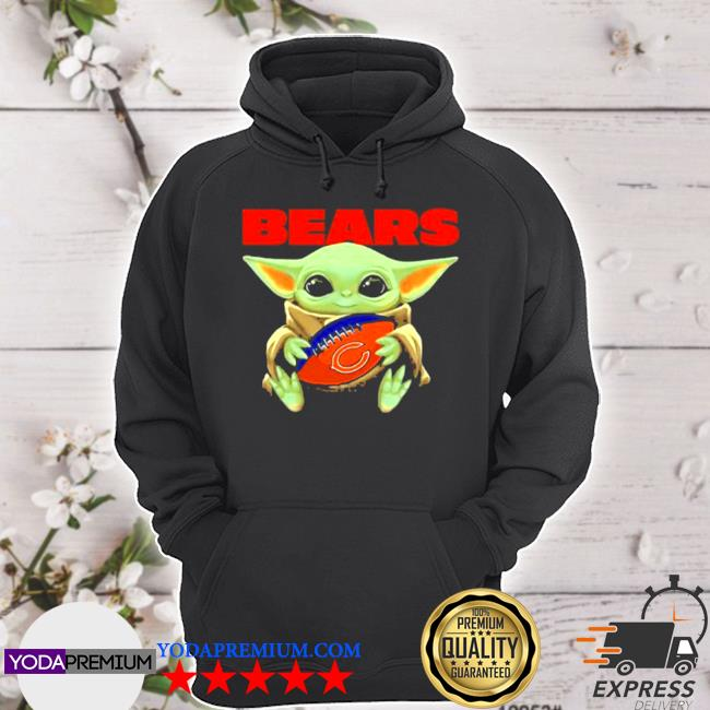Baby Yoda loves the chicago bears Star wars s hoodie